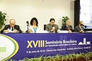 Foto/Divulgação: painel sobre o roubo de cargas no Seminário Brasileiro do Transporte Rodoviário de Cargas